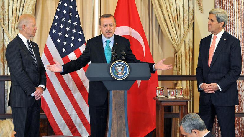 Вице-президент США извинился перед лидером Турции за обвинение в поддержке экстремистов