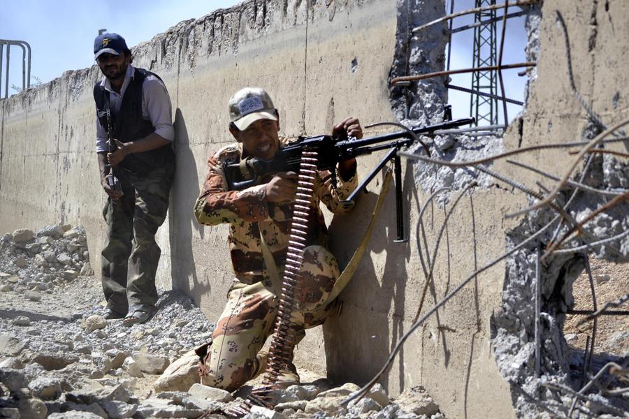 Сирийская армия уничтожает бункеры боевиков на окраинах Дамаска