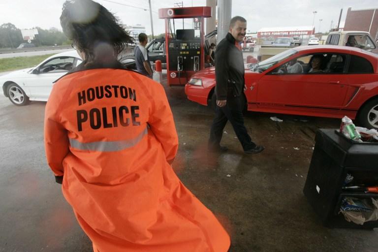 Грабители украли продукты у жертвы автокатастрофы