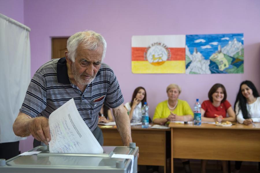 В Южной Осетии намерены вынести на референдум вопрос о вхождении в состав России