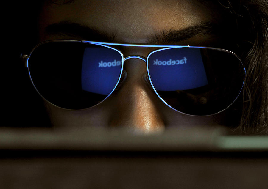Facebook запретил пользователям скрывать себя в результатах поиска
