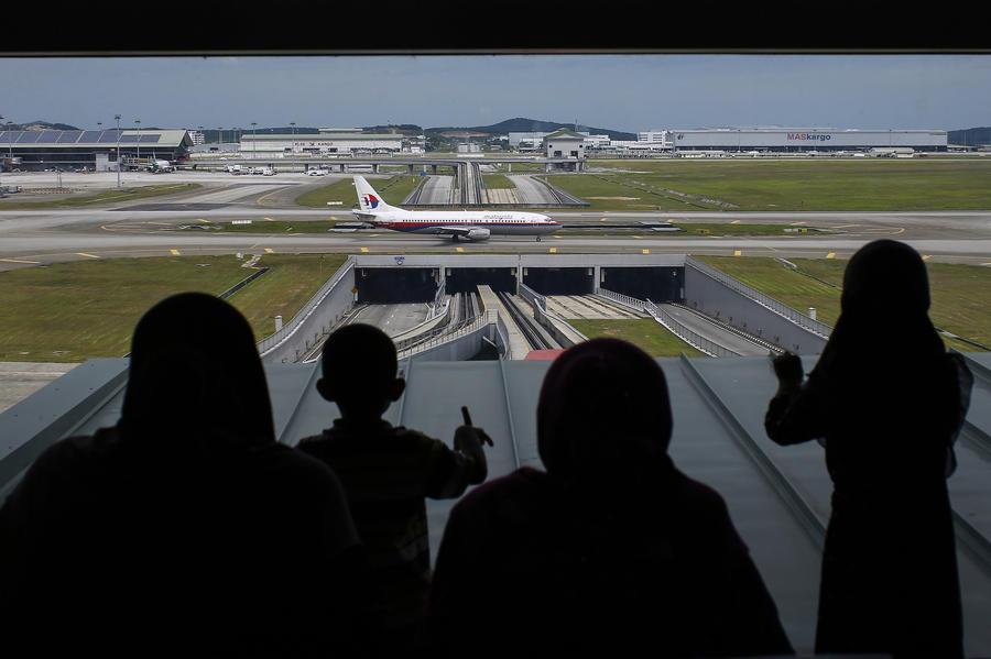 Эксперты не исключают, что в Индийском океане найдены обломки Boeing 777