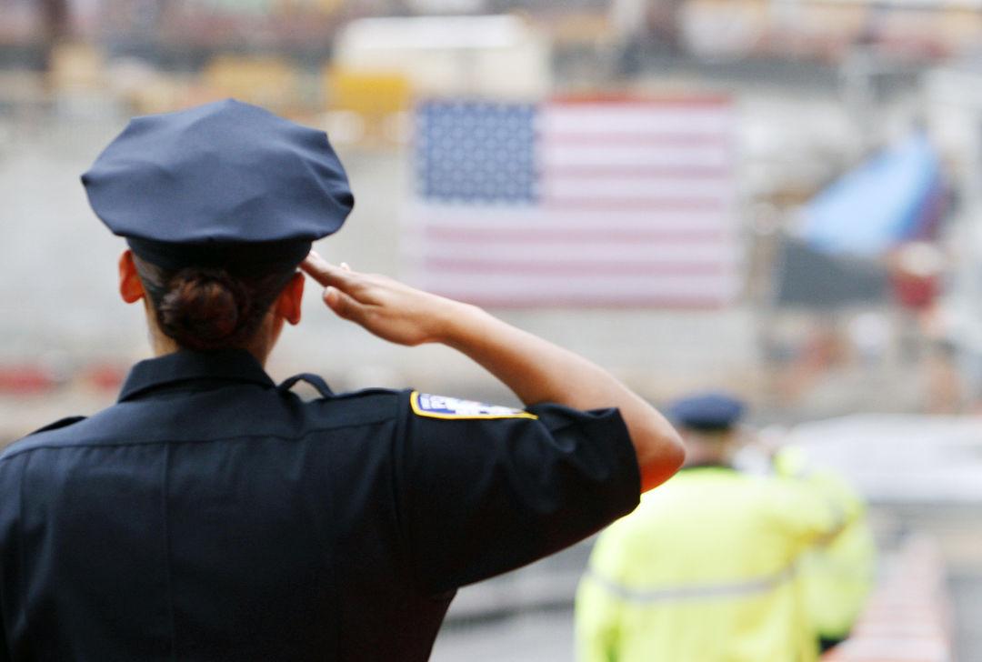 Сексуальные домогательства начальницы довели американского полицейского до суицида