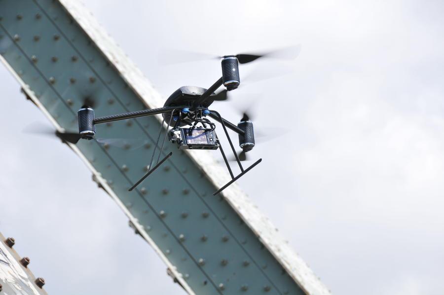 Небесная стража: Полиция Лос-Анджелеса взяла на вооружение дроны с инфракрасными камерами