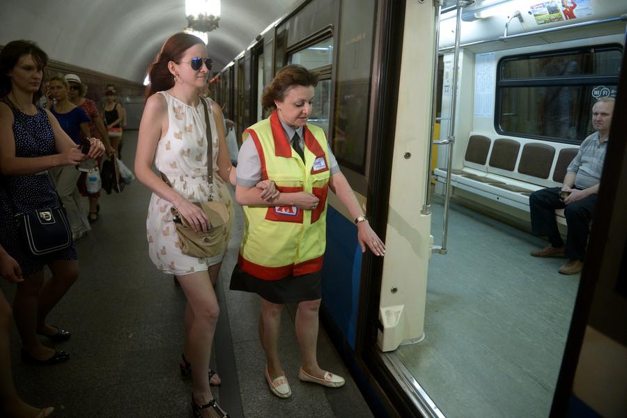 СМИ: Депутаты пожаловались Следственному комитету и прокуратуре на жару в метро