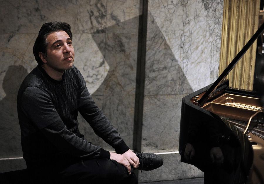 Турецкий пианист сыграл на чувствах верующих