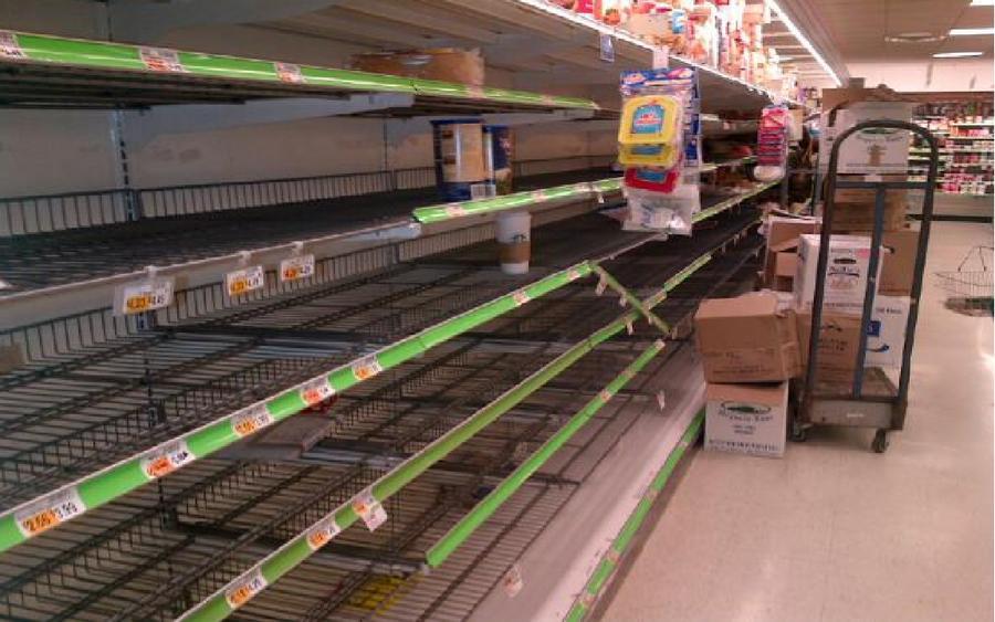 Новость о пустых полках в крымских магазинах проиллюстрировали фотографией из Нью-Йорка