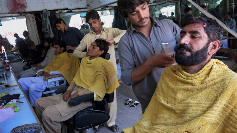Талибы сбривают бороды и под видом мирных жителей покидают районы спецоперации в Пакистане