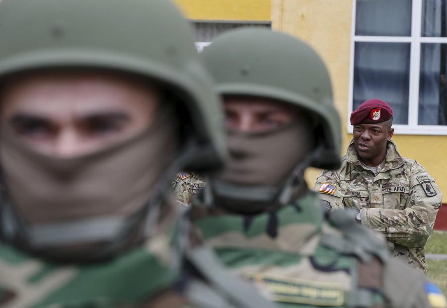 СМИ: Американские инструкторы сами не знают, кого учат воевать