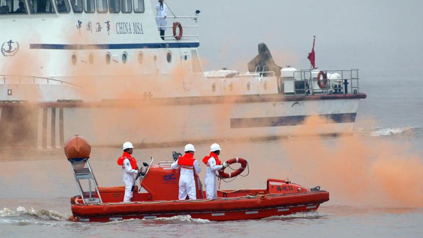 В Китае ведутся поиски более 400 пассажиров затонувшего судна
