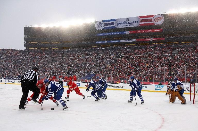Павел Дацюк реализовал буллит в рекордном по посещаемости хоккейном матче