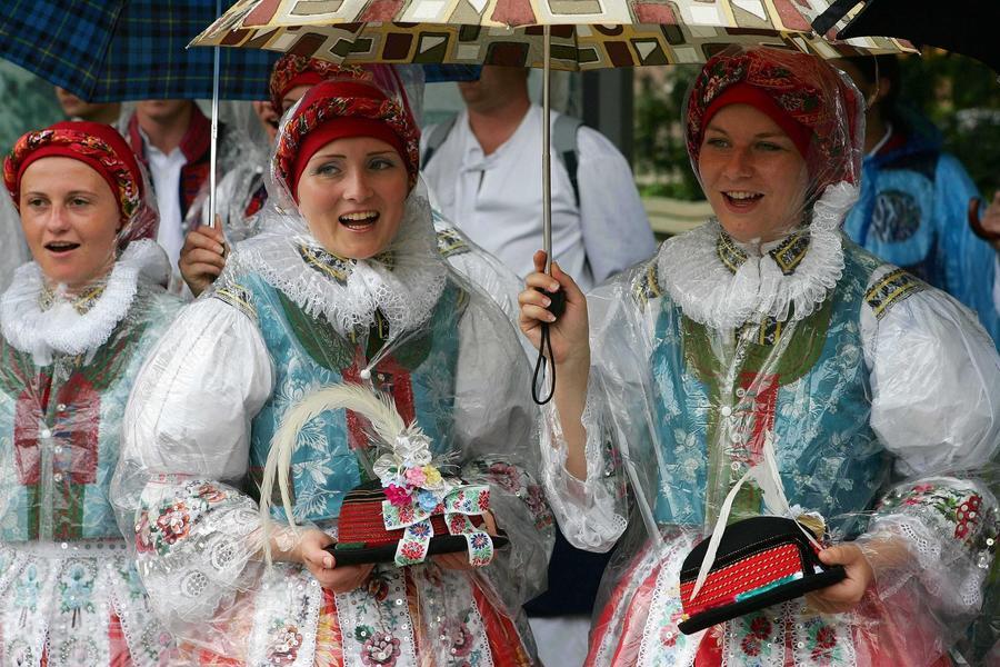 Министр культуры Латвии запрещает латышам говорить по-русски