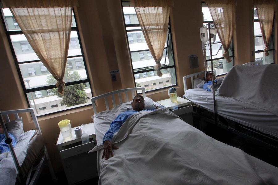 Тысячи больных остались без медицинской помощи в Перу из-за всеобщей забастовки врачей