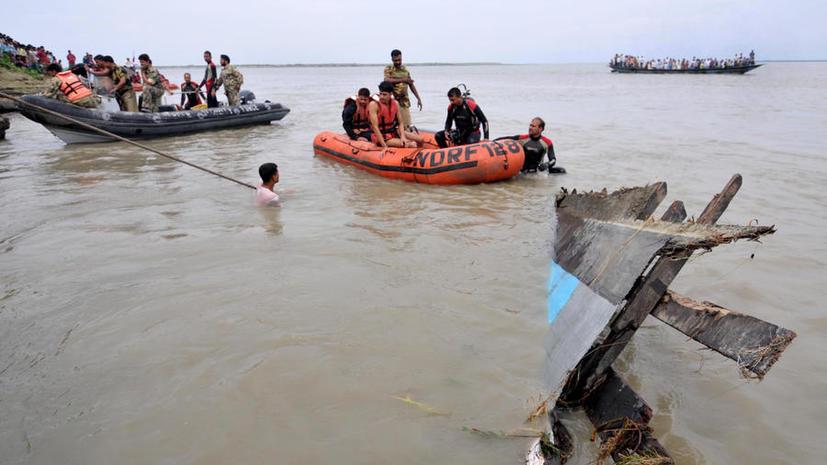 У берегов Индии перевернулся туристический паром: более 20 погибших