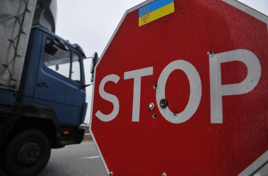 Эксперт: Предложение украинской полиции о сопровождении российских фур бесполезно