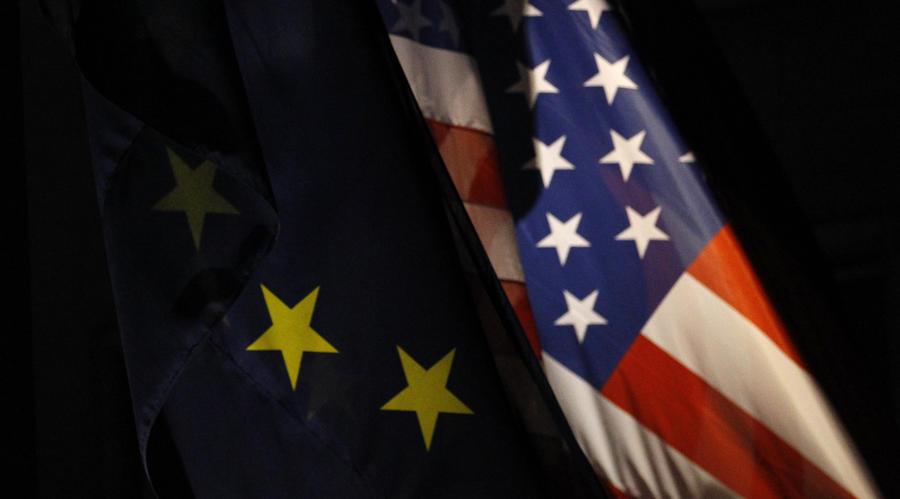 СМИ сообщили о возможности продления ЕС и США санкций в отношении России