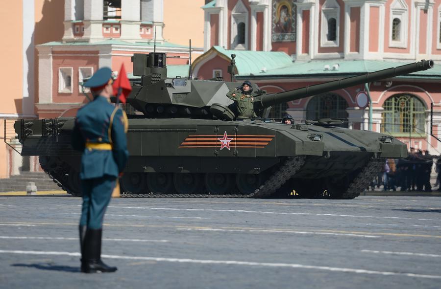 Американский телеканал безуспешно искал изъяны российских танков на параде Победы