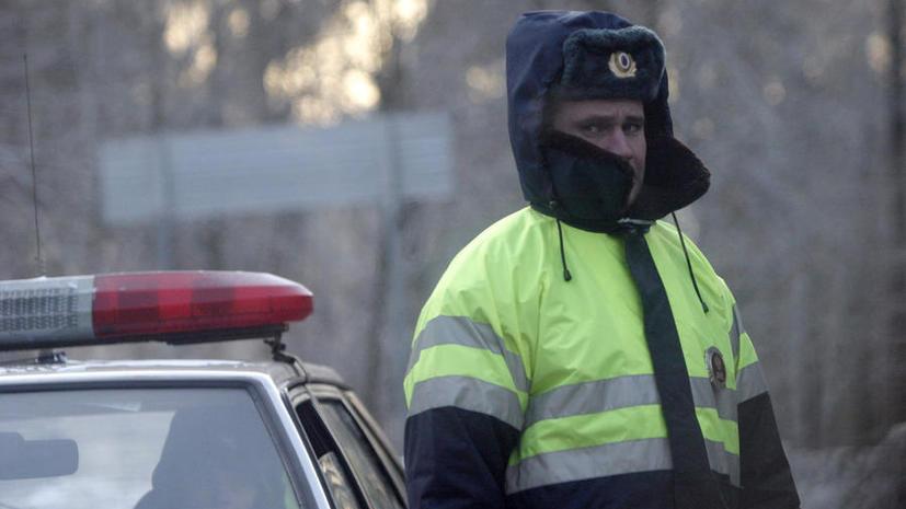 В сильные морозы сотрудники ДПС будут отогревать водителей Тюмени валенками и горячим чаем