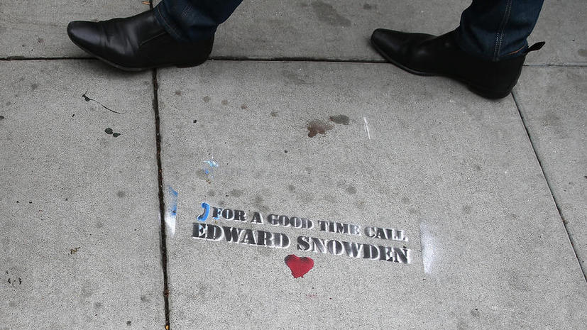 WikiLeaks: ФСБ России не допрашивает Эдварда Сноудена