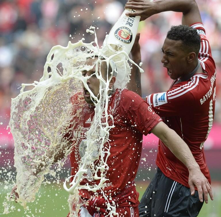 Футболиста-мусульманина «Баварии» Франка Рибери облили пивом во время празднования чемпионства