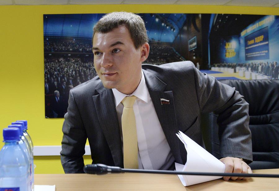 Госдума сократит срок действия транзитных номеров