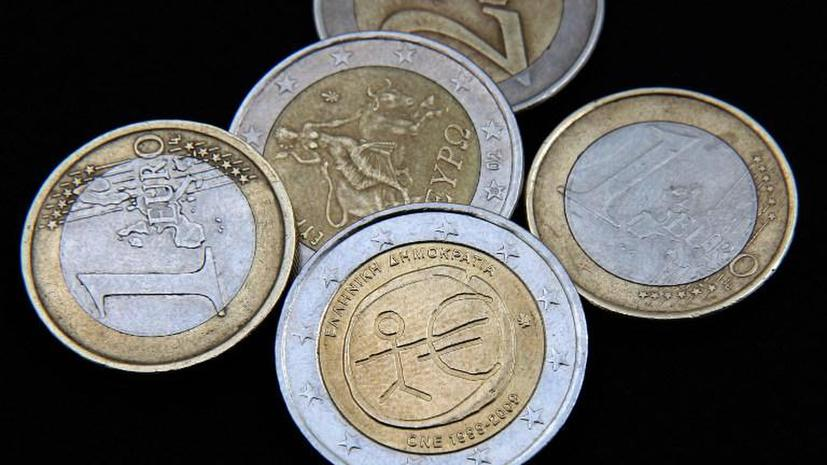 Китайские туристы оплатили отель в Париже потерянными европейцами монетами