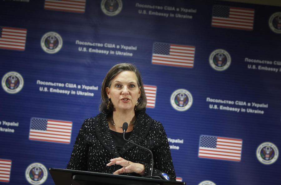 Виктория Нуланд: США обсуждают с союзниками усиление антироссийских санкций