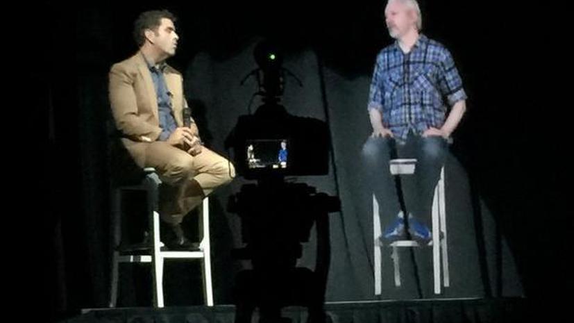 Джулиан Ассанж выступил на конференции в США в виде 3D-голограммы