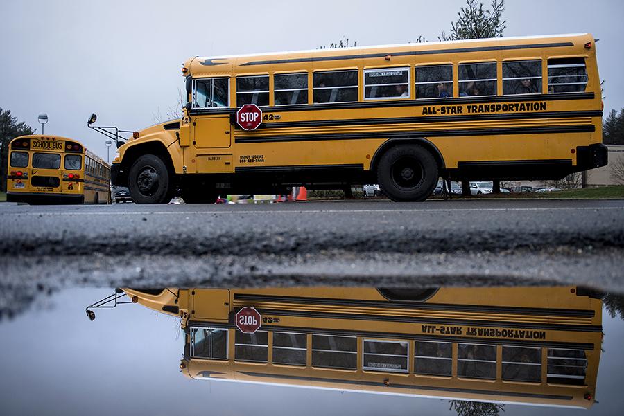 Водители школьных автобусов в Нью-Йорке вышли на забастовку