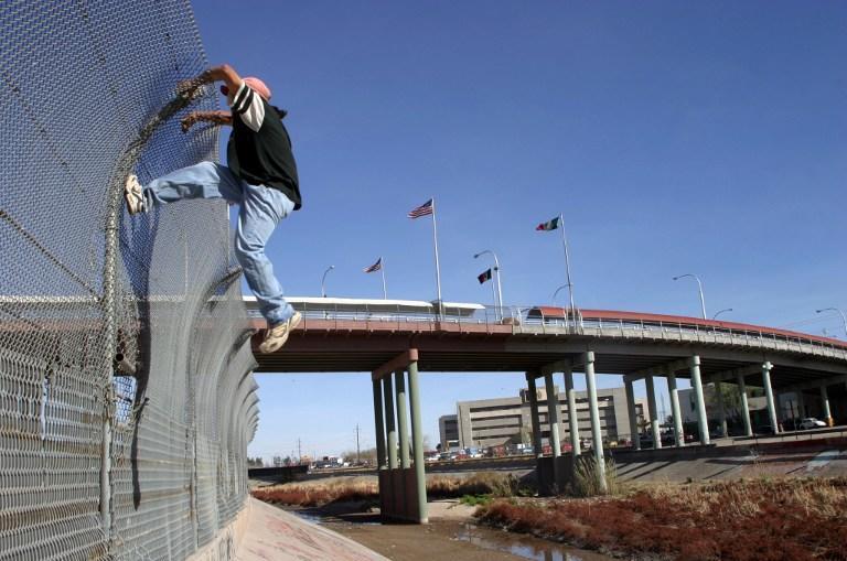 Бараку Обаме необходимы $2 млрд на борьбу с нелегальной миграцией