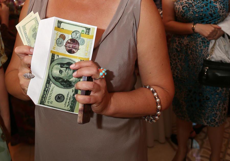 В России могут запретить печатать сувенирные банкноты