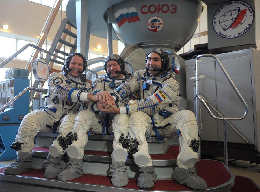 Возвращение экипажа МКС перенесли на сутки из-за погоды