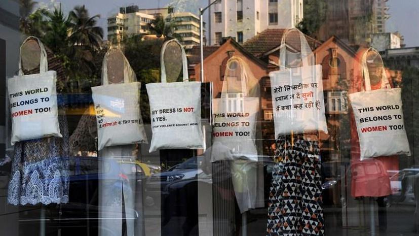 С индийских витрин исчезнут манекены в бикини: страна борется с сексуальным насилием