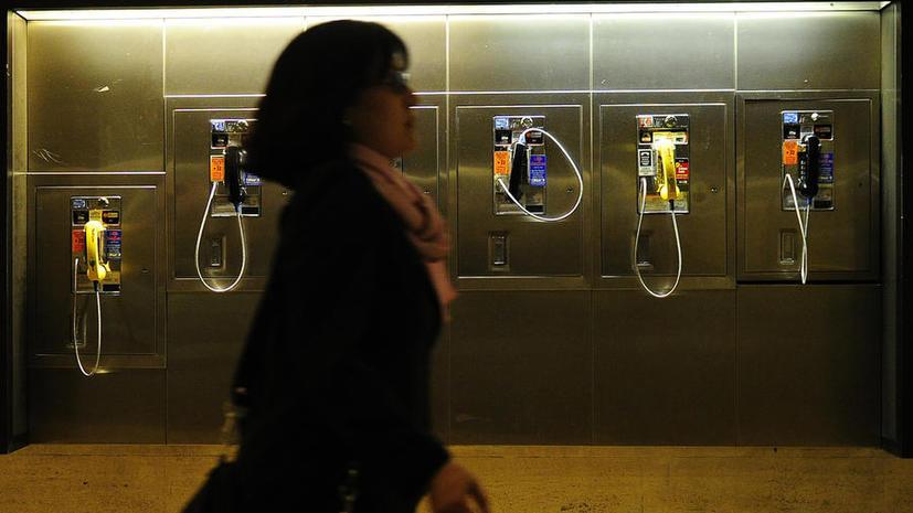 Телефон прошлого: Минкомсвязи отказывается от таксофонов