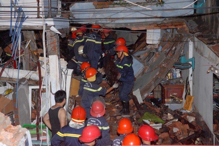 Серия взрывов в жилом квартале Хошимина: семеро погибших