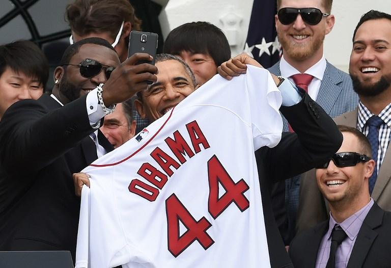 Белый дом раскритиковал компанию Samsung за рекламное селфи с Бараком Обамой