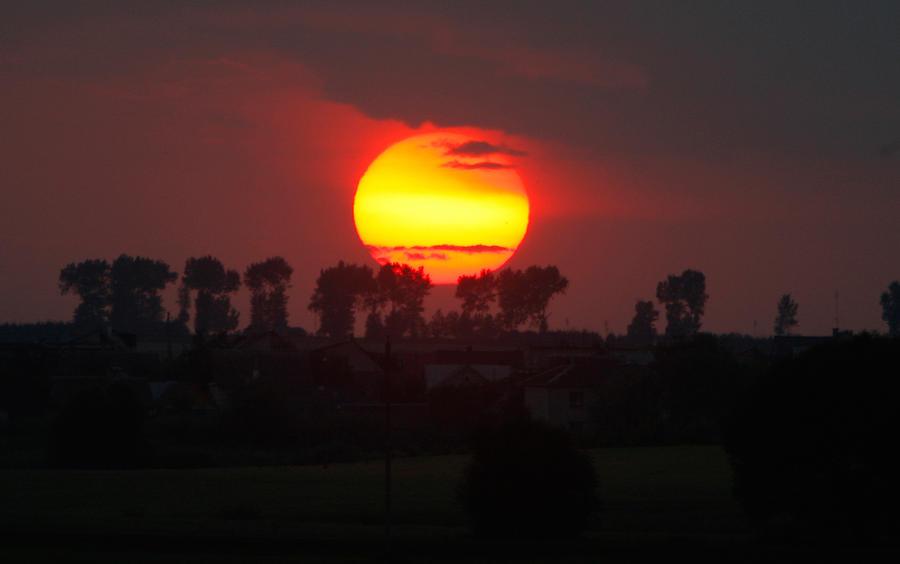 Ученые: солнечная активность достигла минимума за 100 лет