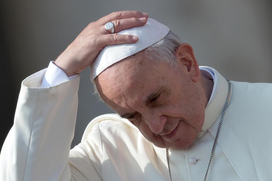 Ничего святого: американские спецслужбы прослушивали переговоры Папы Римского