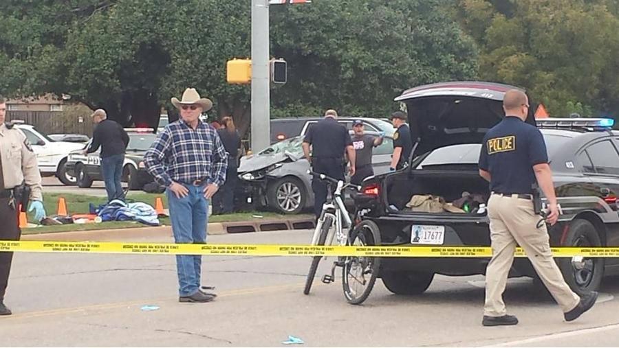 В США нетрезвая женщина врезалась на автомобиле в толпу, погибли 4 человека