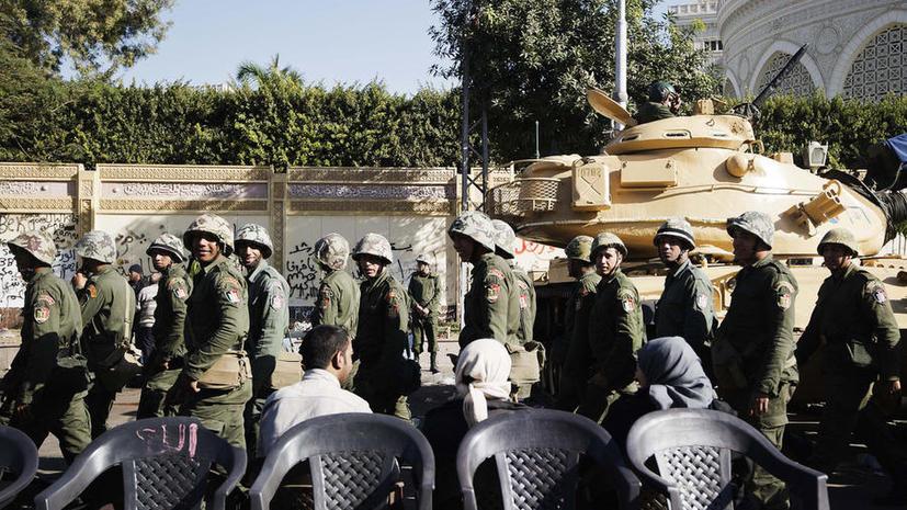 Власти Египта получили право использовать армию для наведения порядка