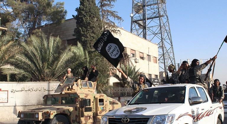 Британская рокерша присоединилась к «Исламскому государству» и пообещала «резать головы христианам»