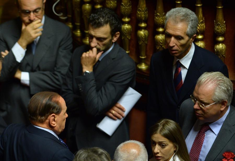 Итальянские парламентарии выразили доверие правительству Энрико Летты