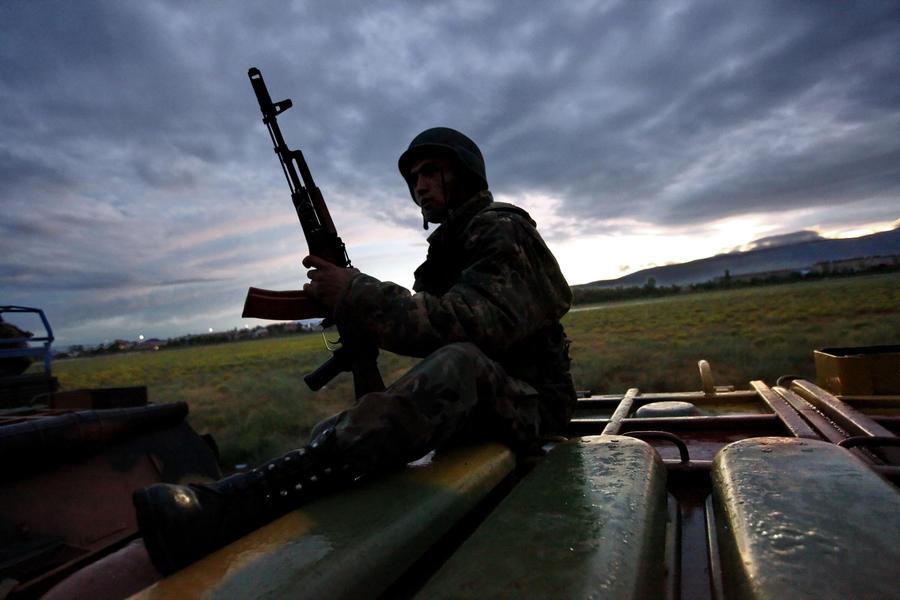 Киргизия и Таджикистан отводят войска из зоны конфликта