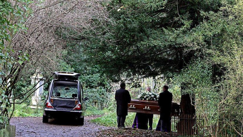 В Великобритании взлетели цены на похороны