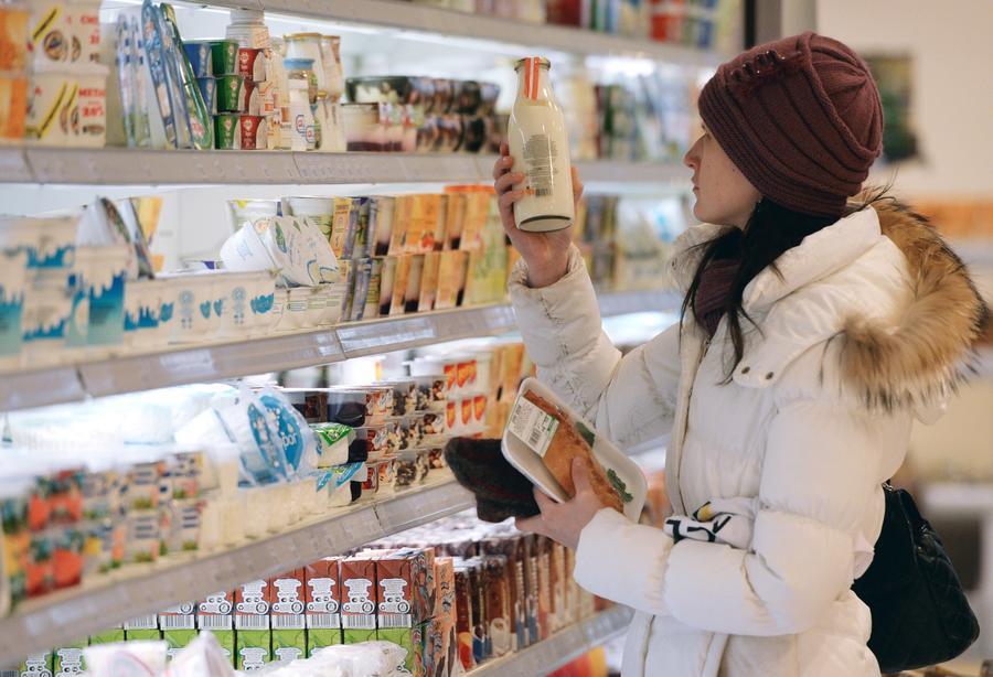 СМИ: Долю импортных продуктов в торговых сетях предлагают ограничить до 30%