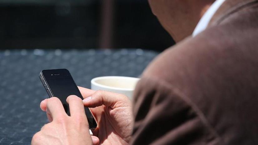 Окулисты назвали смартфоны причиной плохого зрения