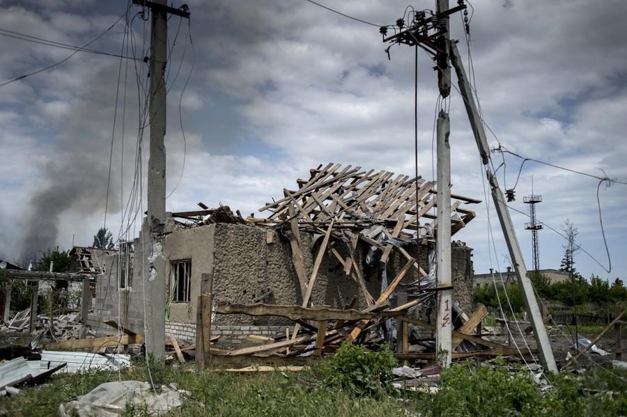 Журналисты попали под обстрел ВСУ в районе Станицы Луганской