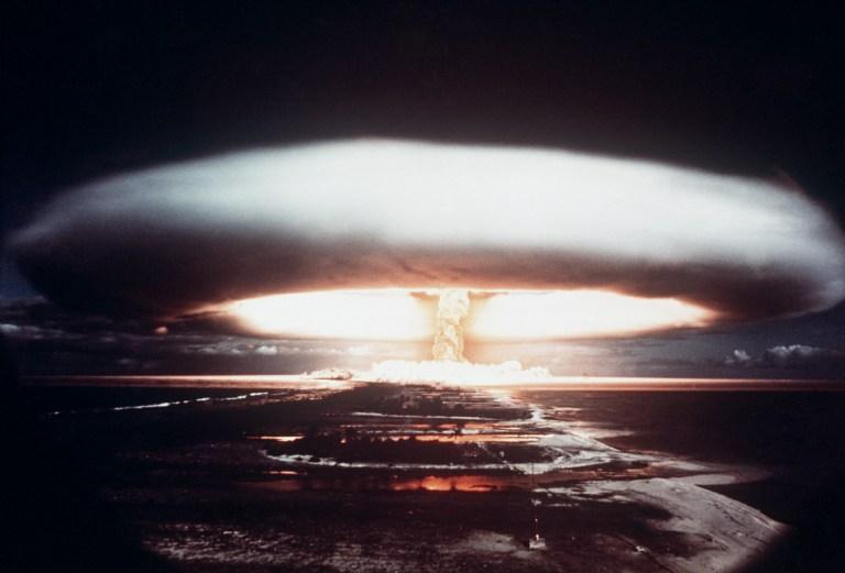Британский лорд предложил сбросить на Афганистан нейтронную бомбу