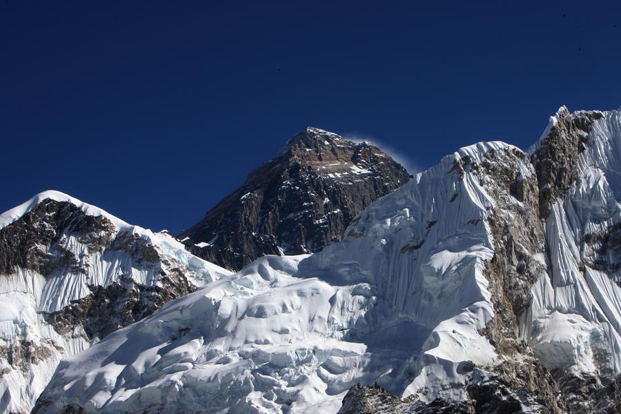Непал ужесточает контроль за безопасностью на Эвересте