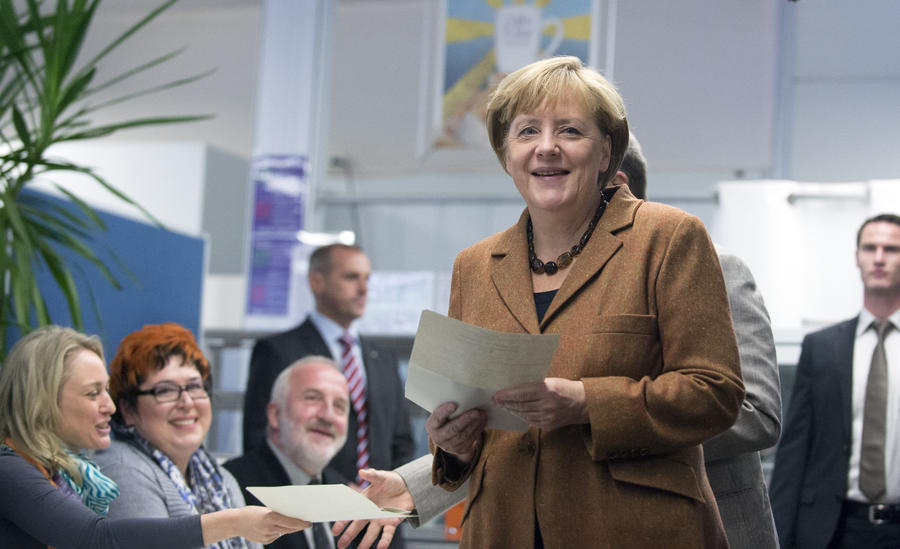 Данные exit polls: партия Ангелы Меркель побеждает на выборах в Германии